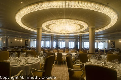 Oceania Main Dining Room meals are as subdued as the decor
