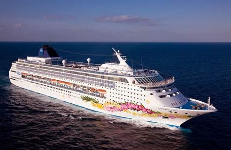 Guests sailing aboard Norwegian Sky in 2016 and beyond will enjoy free dining, entertainment and now unlimited beer, wine and premium spirits throughout their cruise (Photo courtesy of Norwegian Cruise Line)
