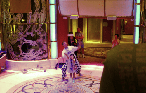 Juggler performing on Diamond Princess