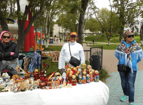 Russian port call – one smile, two frowns