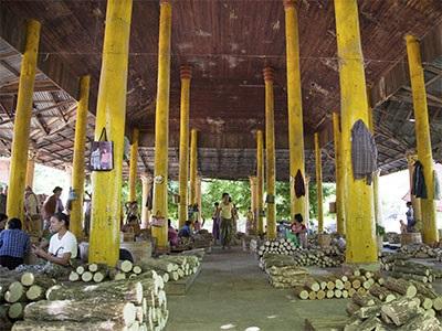 Wholesale Market in Pakokku sells Thanakha