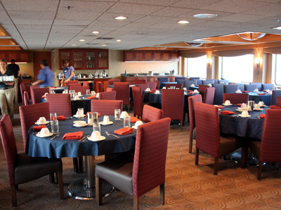 The pleasant dining room on the Safari Endeavour