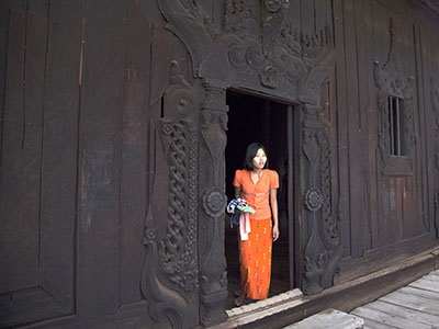 Entrance to Bagaya Kyaung Monastery