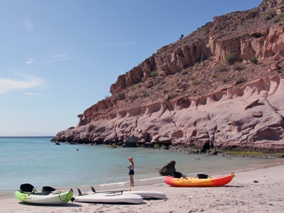 ?Kayaks and standup paddleboards ?are at the ready on Ensenada Beach at Isla Partida.