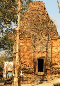 Wat Hanchey, 8th century temple with bricks held together by sticky rice