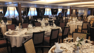 AmphorA dining room on Star Pride