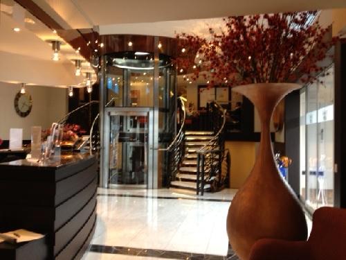 The AmaPrima's lobby