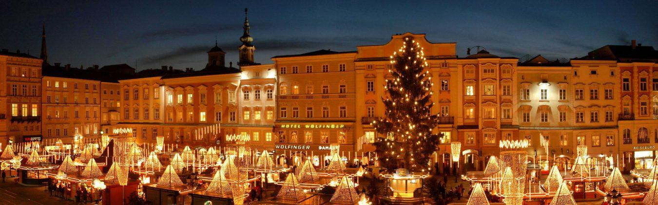 christmas market in linz austria image courtesy of amawaterways
