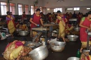 Shelling cashews in Mangalore