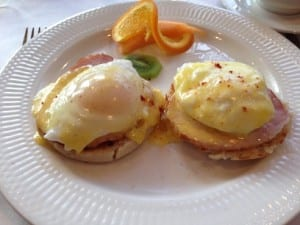 Breakfast of eggs Benedict aboard the American Empress